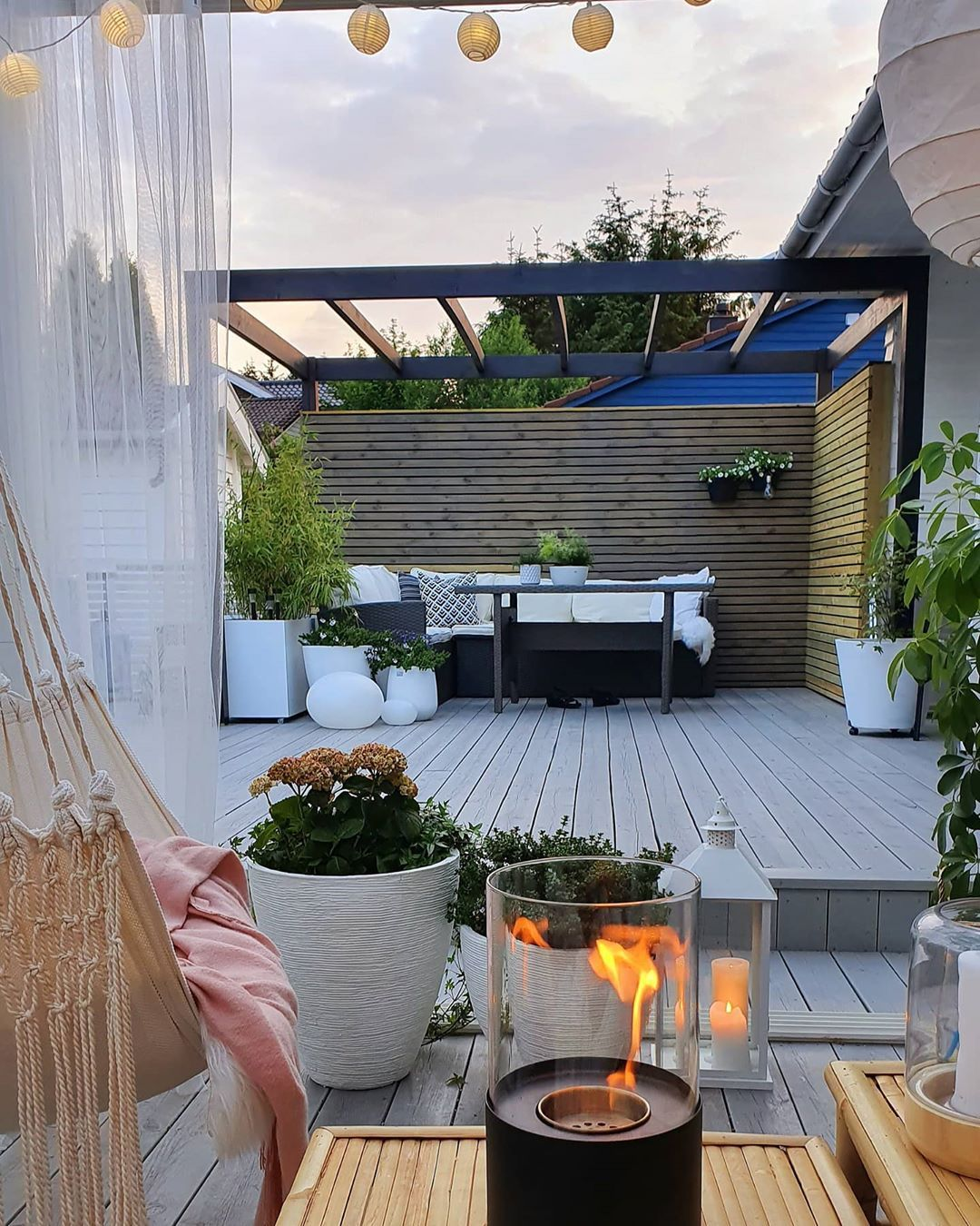 ~My view~ #minhage#hagestue#terrasseinspiration#terrasseliv#terrasse#trädgårdsinspiration#trädgård#pergola#gardeninspiration#gardenlife#garden#outdoors