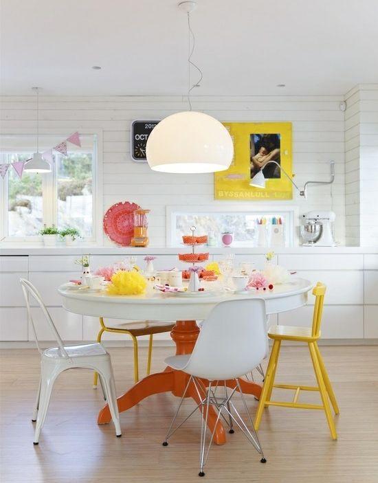 kleine zimmerrenovierung esszimmer fusboden idee, kleine küche mit essplatz planen und gestalten – inspirierende ideen, Innenarchitektur