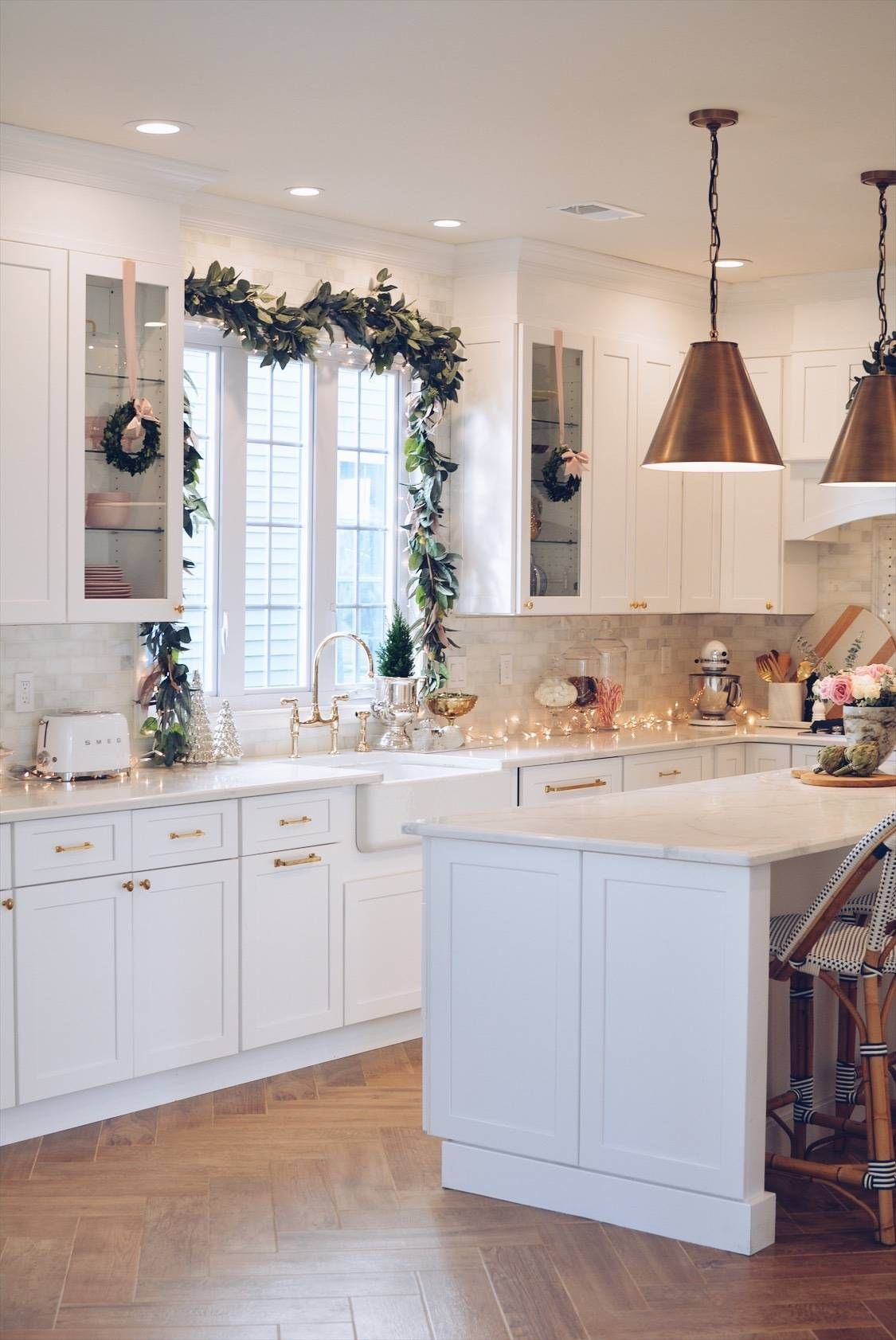 Elegant Christmas Part II – Christmas Kitchen Decor – The Pink Dream Kitchen