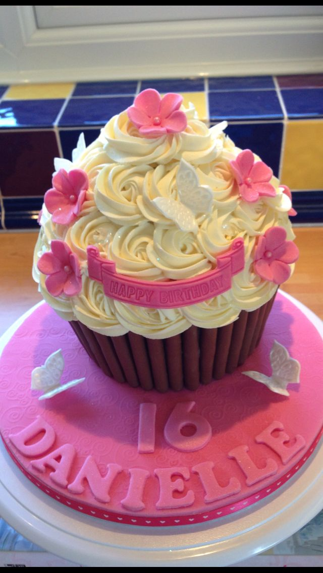 16th Birthday Giant Cupcake Big Cupcake Giant Cupcake Cakes