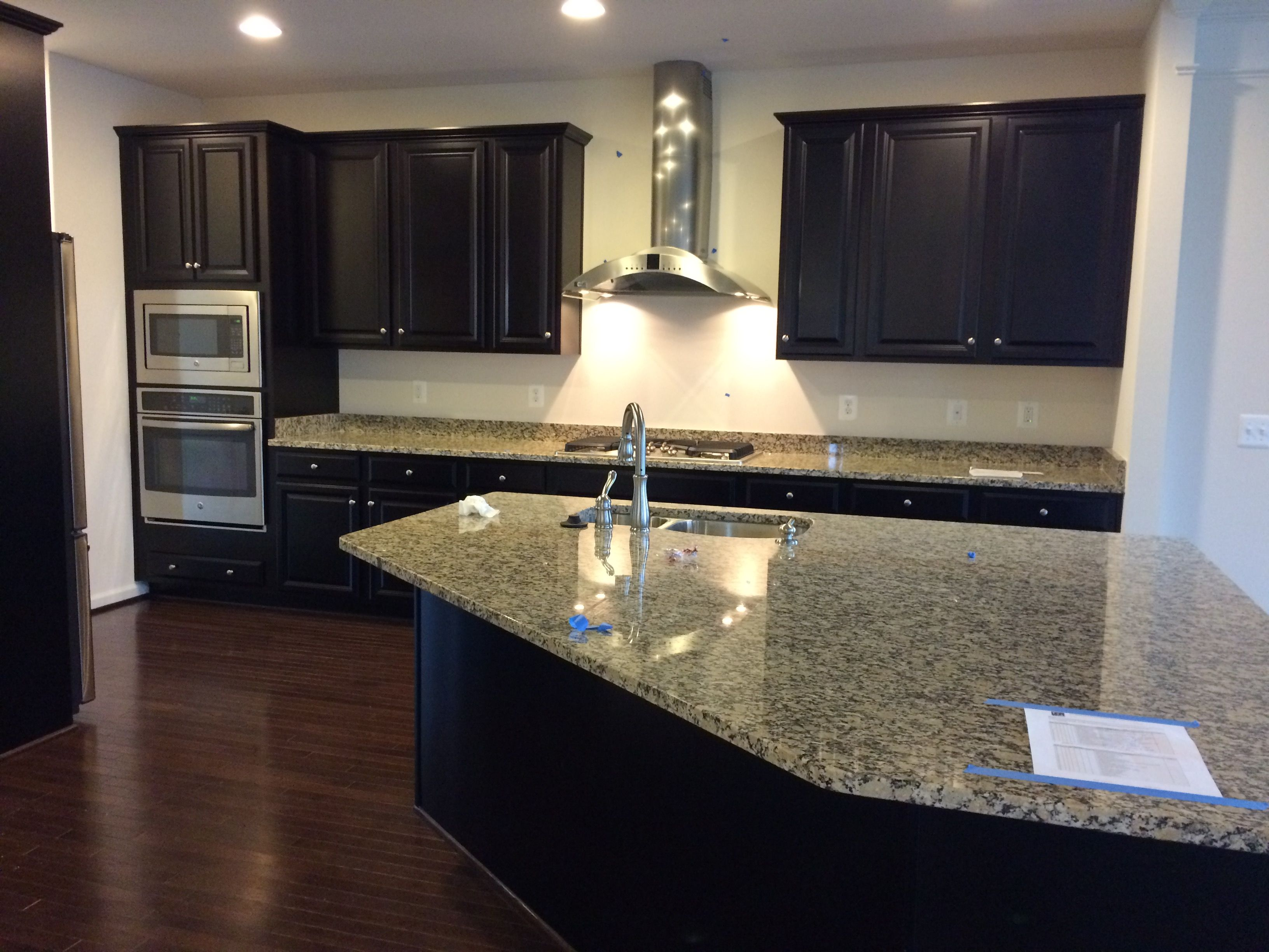 Prefinished Kitchen Cabinets Level 5 Espresso Kitchen Cabinets Level 2 Autumn Beige Granite