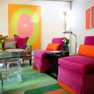 What Color Compliments Pink split complimentary color scheme- red and green are compliments