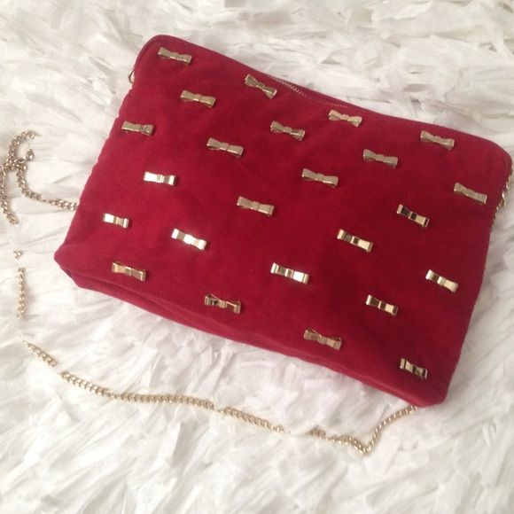 ZARA red faux suede gold metal bow chain bag Brand new with tag. Length: 12 1/4, high: 8 1/4, depth: 2 1/4. Zara Bags #chainbags