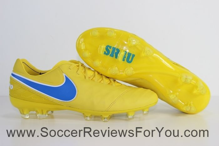 Soccer cleats · Nike iD Tiempo Legend 6 Review