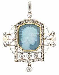 "Broche-colgante en platino, oro, diamantes, perlas y esmalte translúcido ""pâte-sur-pâte"", Masriera Hermanos"