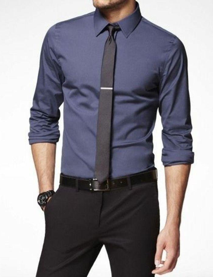 ee8f8d4ac9c2 dresscode dunkler anzug dunkle hose blaues hemd krawatte mit krawattennadel  armbanduhr männer