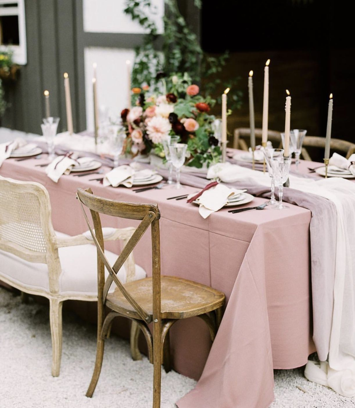Pin By Katy Bjurstrom On Wedding Wedding Table Linens Table