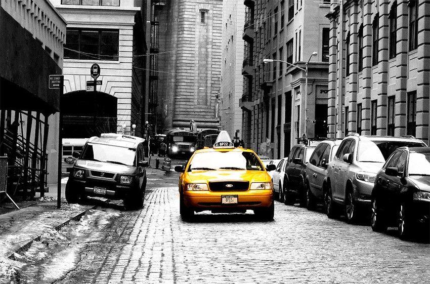 taxis new-yorkais et création d'un effet couleur sur une photo