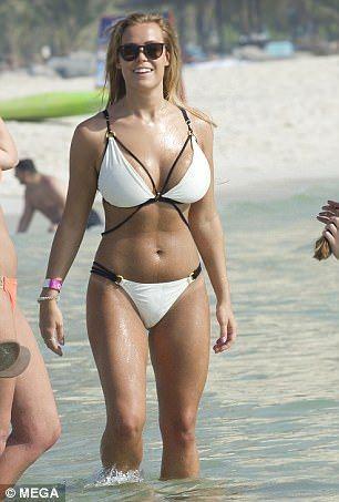 Chloe Meadows nude (18 photos) Fappening, YouTube, cameltoe