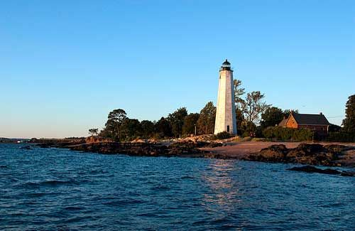 New Haven #Lighthouse - Lighthouse Point Park, #Connecticut (Image: versageek used under a Creative Commons Attribution-ShareAlike license)    http://dennisharper.lnf.com/