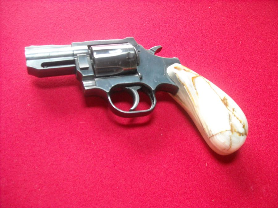 Custom Gun Grips & Marble Grips Handmade by Anthony Arculeo Find our speedloader now! http://www.amazon.com/shops/raeind