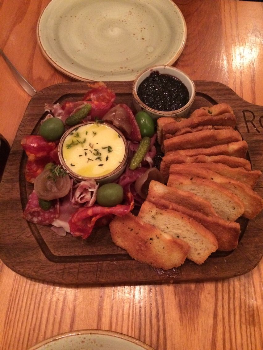 Rojannos padstow - charcuterie sharing board