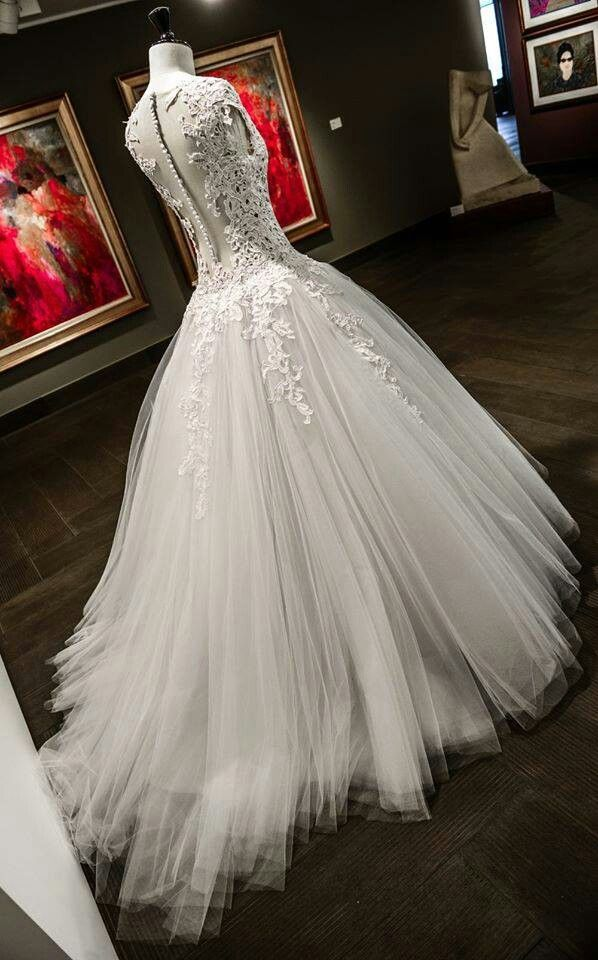 Beautifull wedding gown