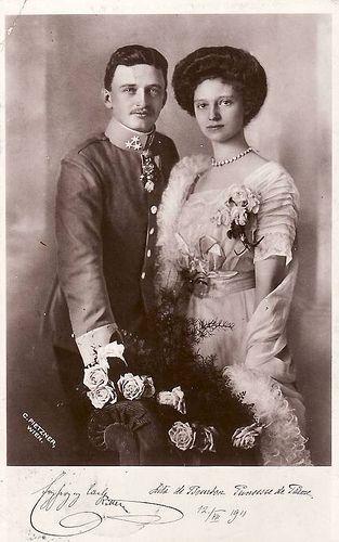 Erzherzog Karl Von Osterreich Und Zita Von Bourbon Parma Als Verlobte Engagementphoto Of Future Emperor And Empress Of Austria Habsburg Austria European Royalty Austria