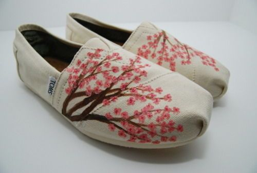 Cherry Blossom Toms... WANT!!