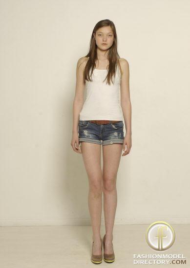 Yumi Lambert - Photo - Fashion Model