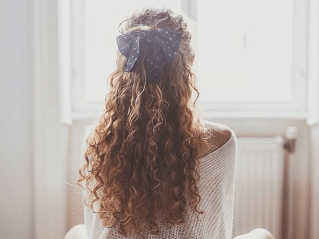 5 Ways You Can Style Naturally Curly Hair And Look