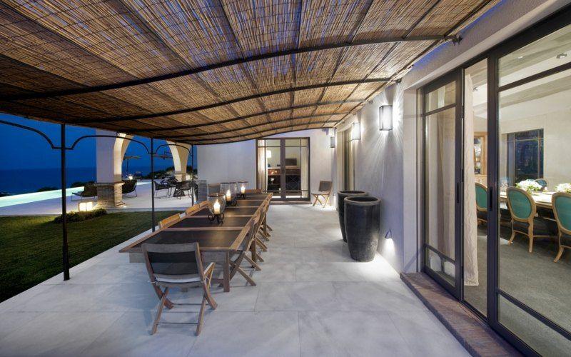 Terrassenuberdachung Bauen Ein Metallgestell Mit Bambus Oder Stroh