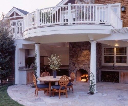 A Two Story Back Patio With An Upper And Lower Deck Dinner
