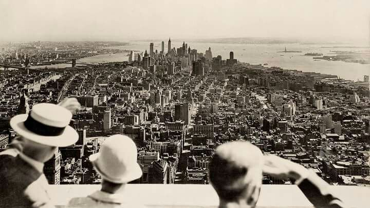 #foto che hanno segnato un'epoca Vista dalla cima dell'Empire state building il giorno dell'apertura, 1931