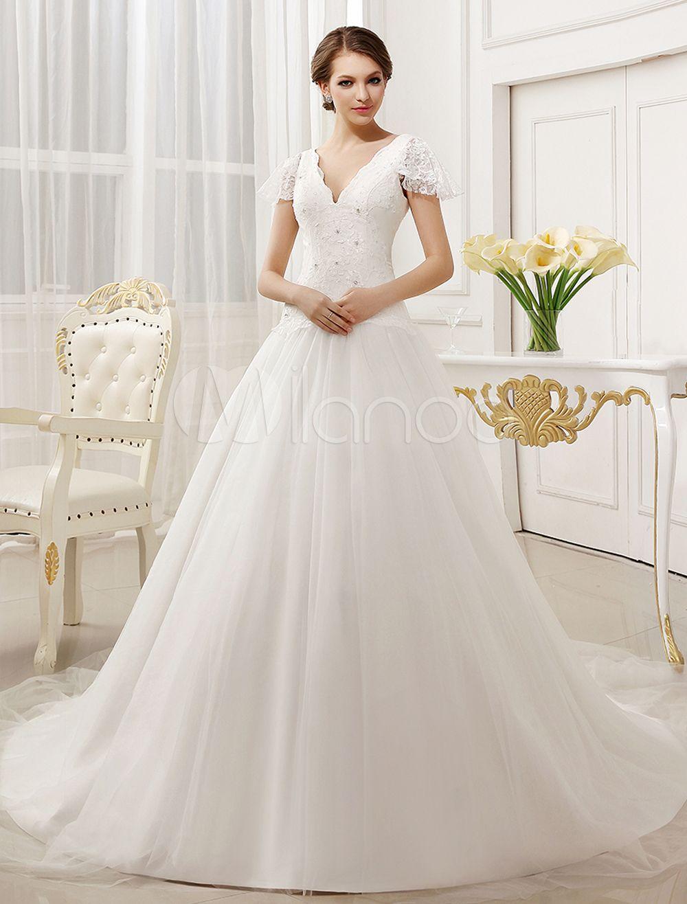 Glamouröses A-Linie-Brautkleid mit V-Ausschnitt und Kapelle-Schleppe ...