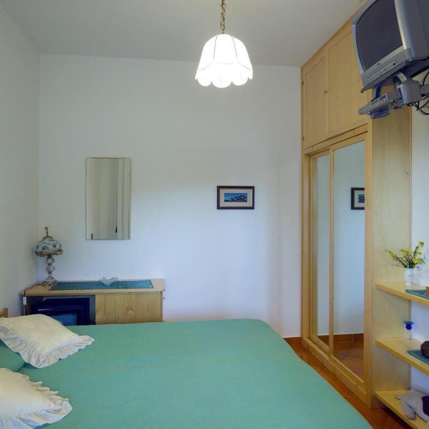 B&B da Luca Panarea#camere# visitate il sito www.bed-breakfast-panarea.it