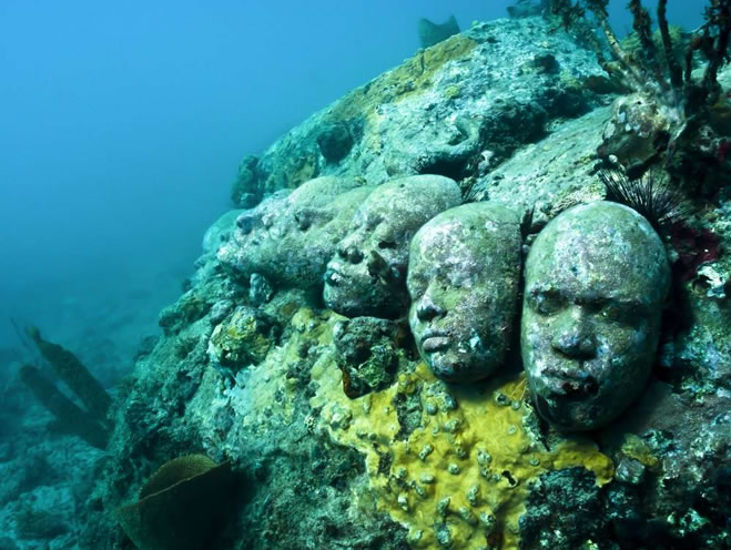 jason-de-caires-taylor-underwater-sculptures-the-un-still-life-grenada-west-indies-7