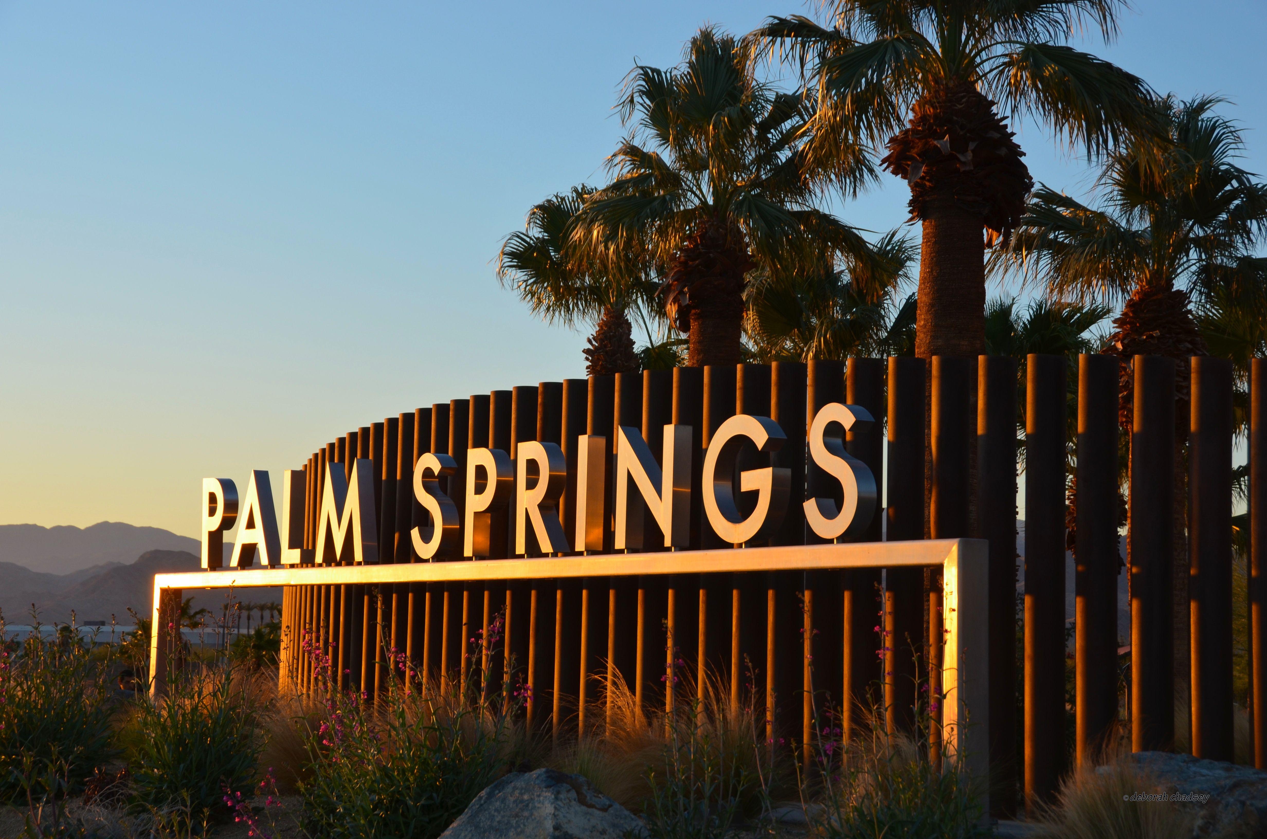 Palm Springs California Sign