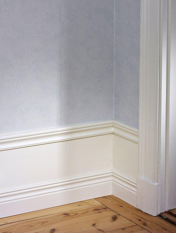 Panel Royal Antique Vitlack 350 Kr Fran Bauhaus Golvlist Inredning Hall Lantligt Inredning Vardagsrum Industri