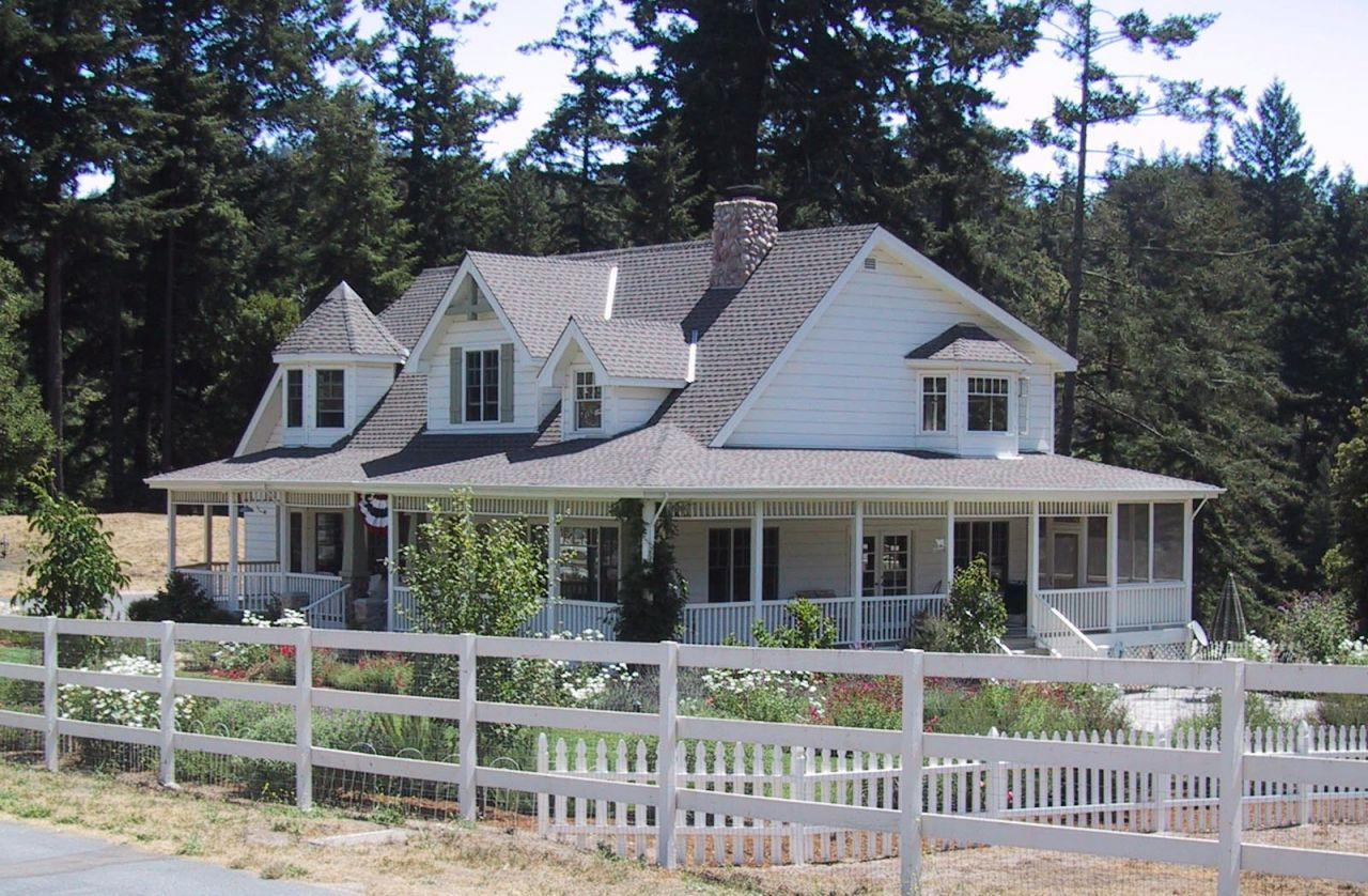 Craftsman With Wrap Around Porch House Plans Google Search Porch House Plans Ranch Style House Plans Country House Plans