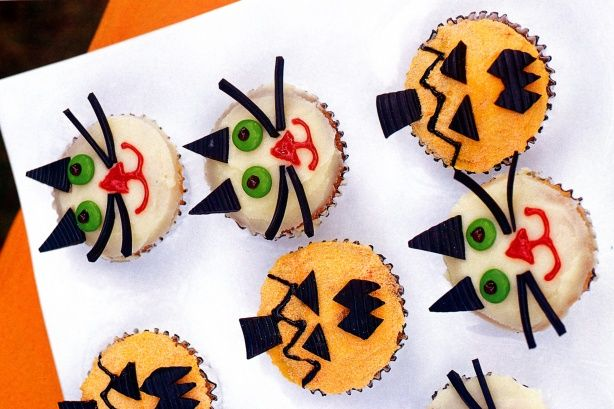 These cute cupcakes make delicious Halloween treats.