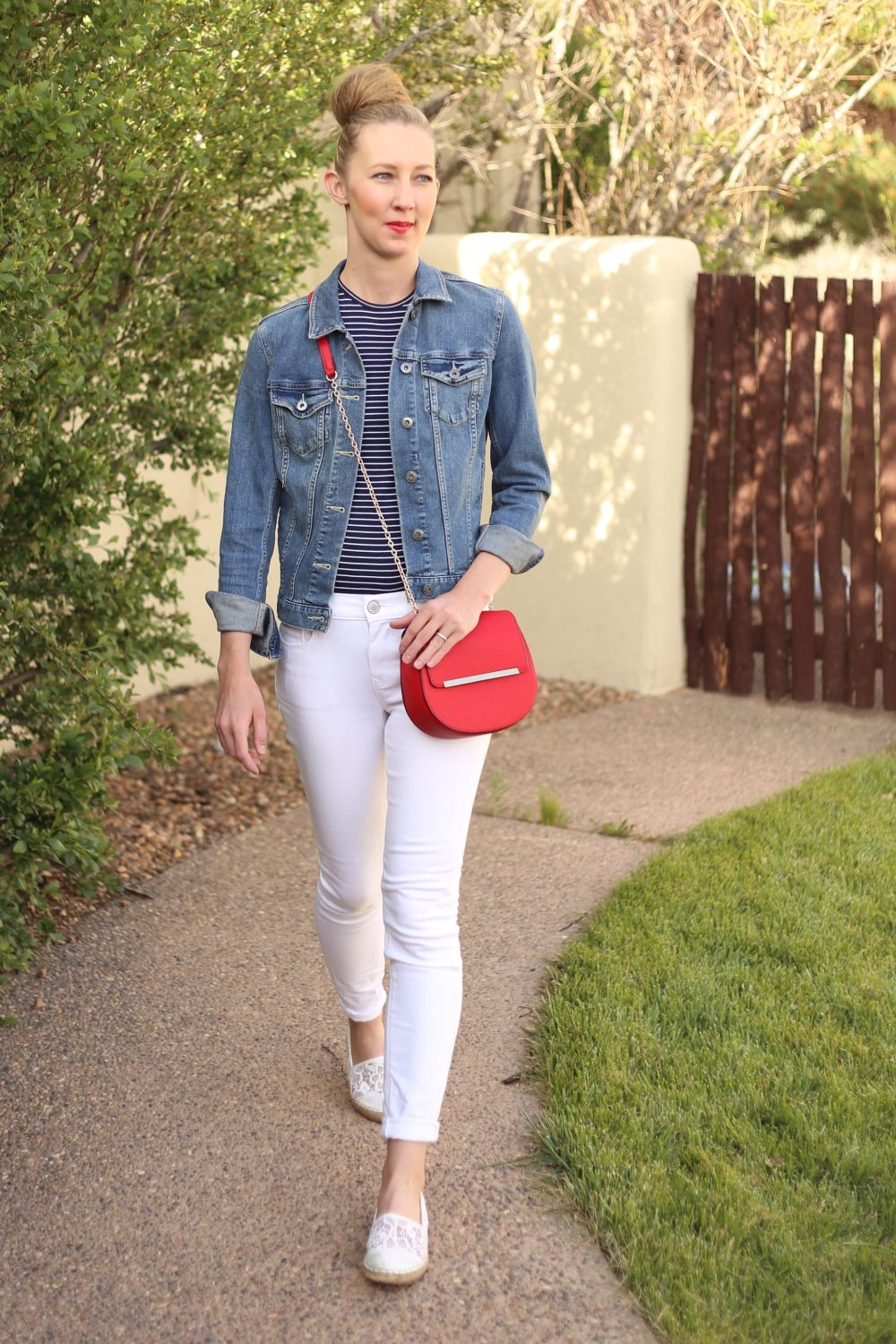 371fb89df7 Fourth of July Outfit Ideas on Dresses And Denim Fashion Blog ...