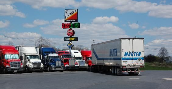 Pilot Flying J, Iowa DOT each take steps to improve real-time truck parking information