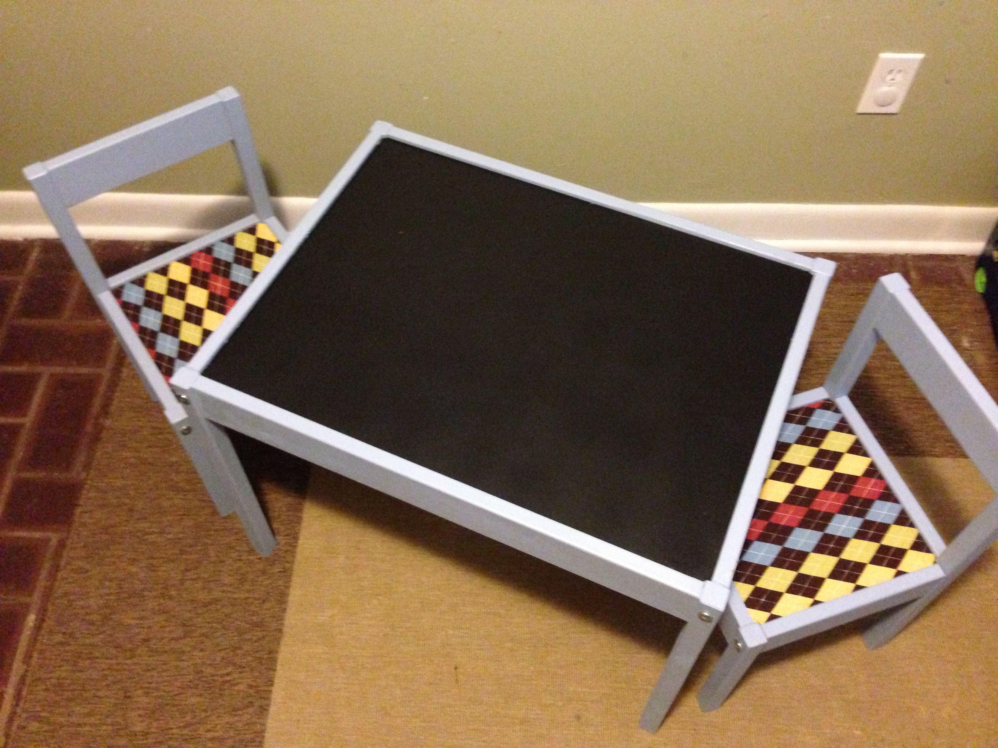 Ikea Staffelei Upcycled Ikea Lätt Kids Table Chalkboard Paint On Top