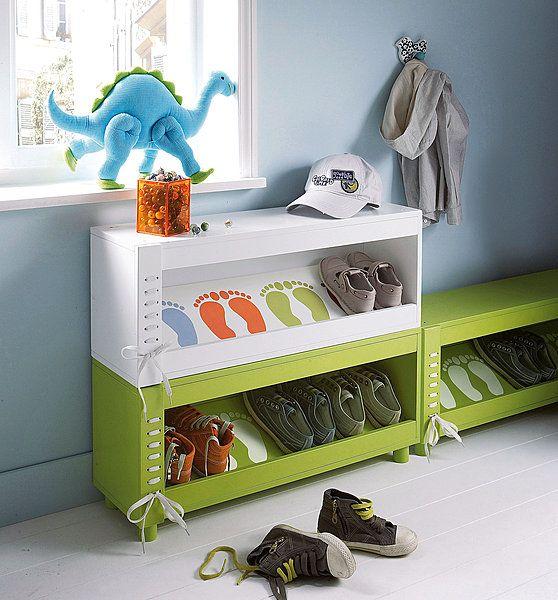Rigolo ce meuble chaussures avec empreintes - Meuble a chaussure 30 paires ...