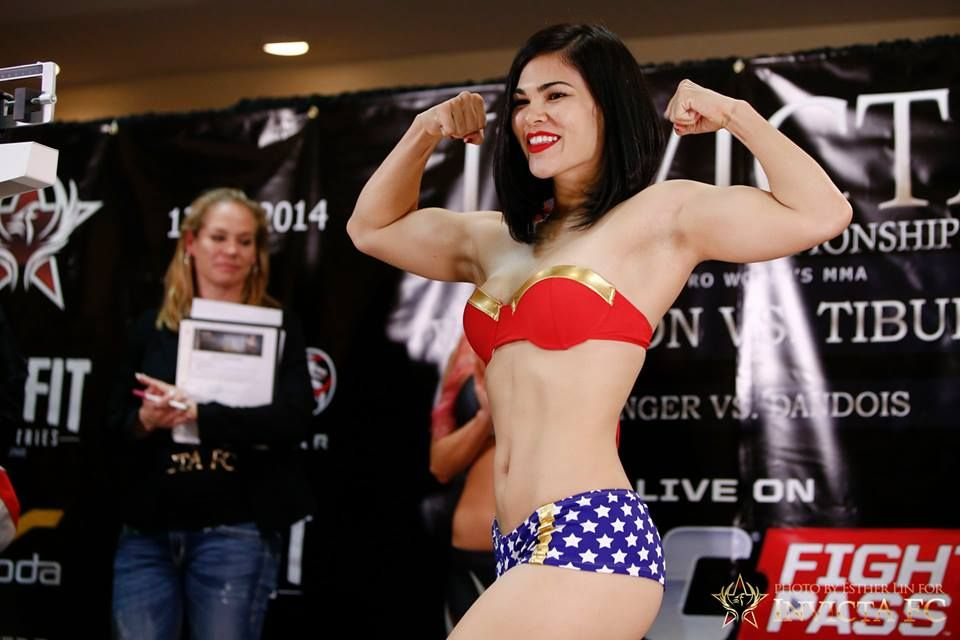 Pin on Fitness Model / mma Females Fighters