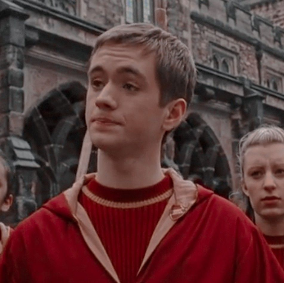 Oliver Wood icon | Oliver wood, Harry potter cast, Harry potter characters