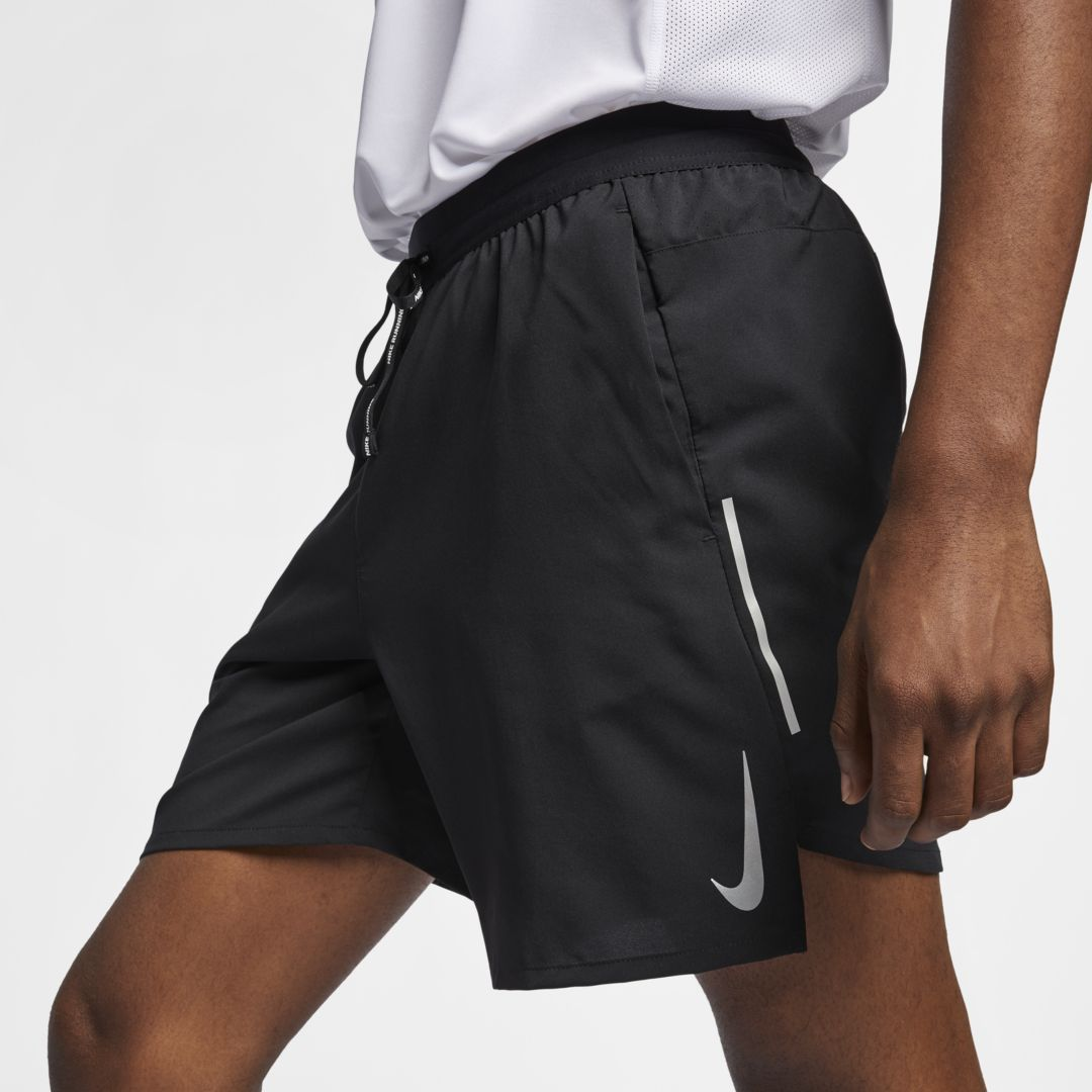 "Photo of Pantaloncini da running con fodera corta da 7 ""Nike Flex Stride – Uomo (nero)"