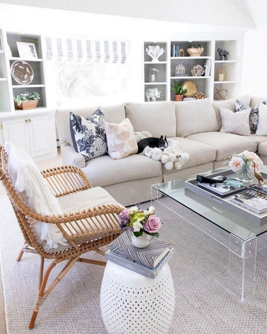 Beautiful 10 Spring Living Room Decoration Ideas Trend 2020 In