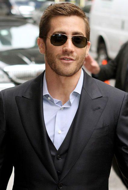 cb4d089165f Jake Gyllenhaal Stylish sunglasses for men
