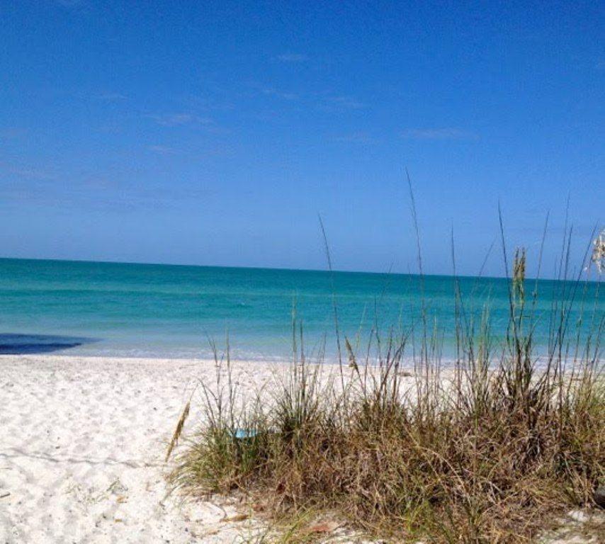 Amazing location beachfront island cottage on the gulf