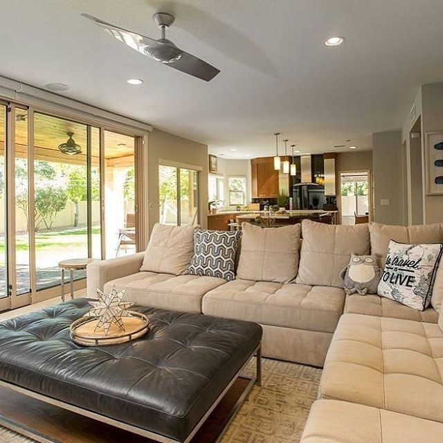 A Large Living Room To Socialise In: How To Choose The Perfect Sectional For Your Space