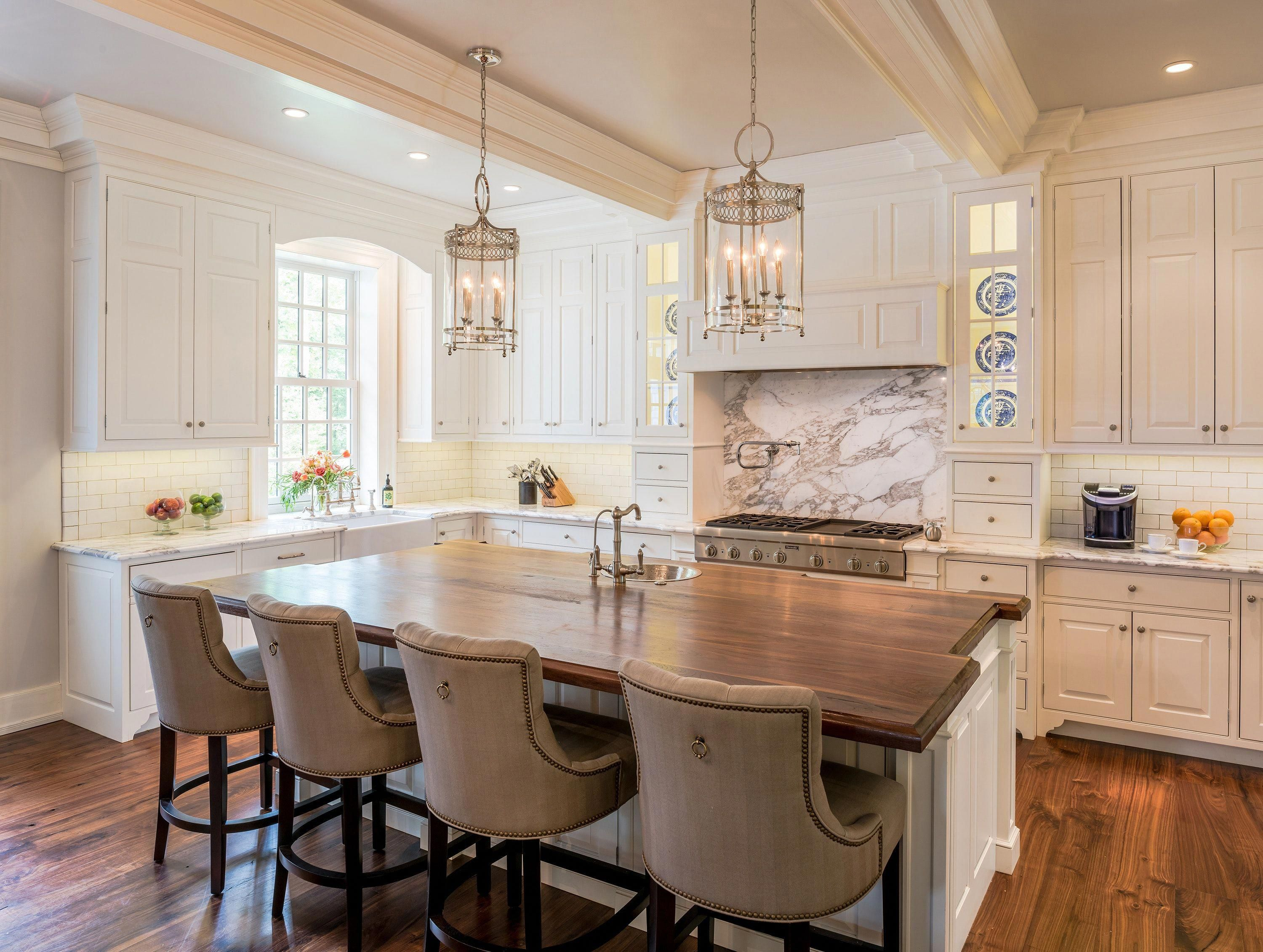 Colonial Revival Farmhouse Kitchen With Traditional Details In Horsham Pa Traditional Style Kitchen Design Traditional Kitchen Design Kitchen Cabinet Design