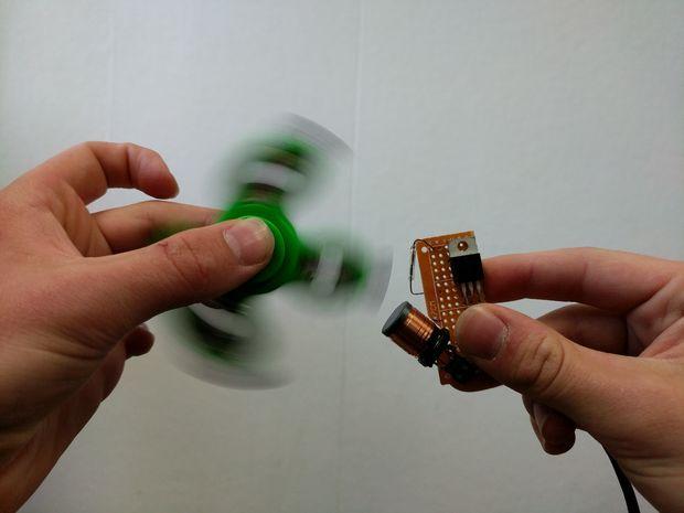 Electromagnetic Fid Spinner Accelerator
