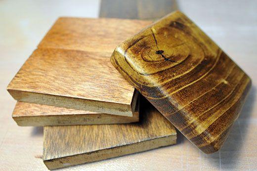 簡単で仕上がりも素敵な塗料 Diyの木材塗装にオイルステインとbriwax すのこ テーブル 木材 塗料 木材
