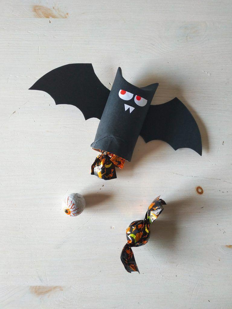 Bat Tutorial Cómo Hacer Un Murciélago Para Halloween Reciclando Pimienta Y Purpurina Como Hacer Un Murcielago Murcielagos Halloween Reciclar