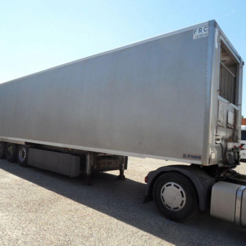 عرض براد بدون مبرد للبيع برادة Frappa موديل 2005 الطول 13متر و42سم العرض 252سم الارتفاع 260سم شاسيه كامل قوي جدا محاور Bpw رقم العرض للسؤال عنه Trucks Vehicles