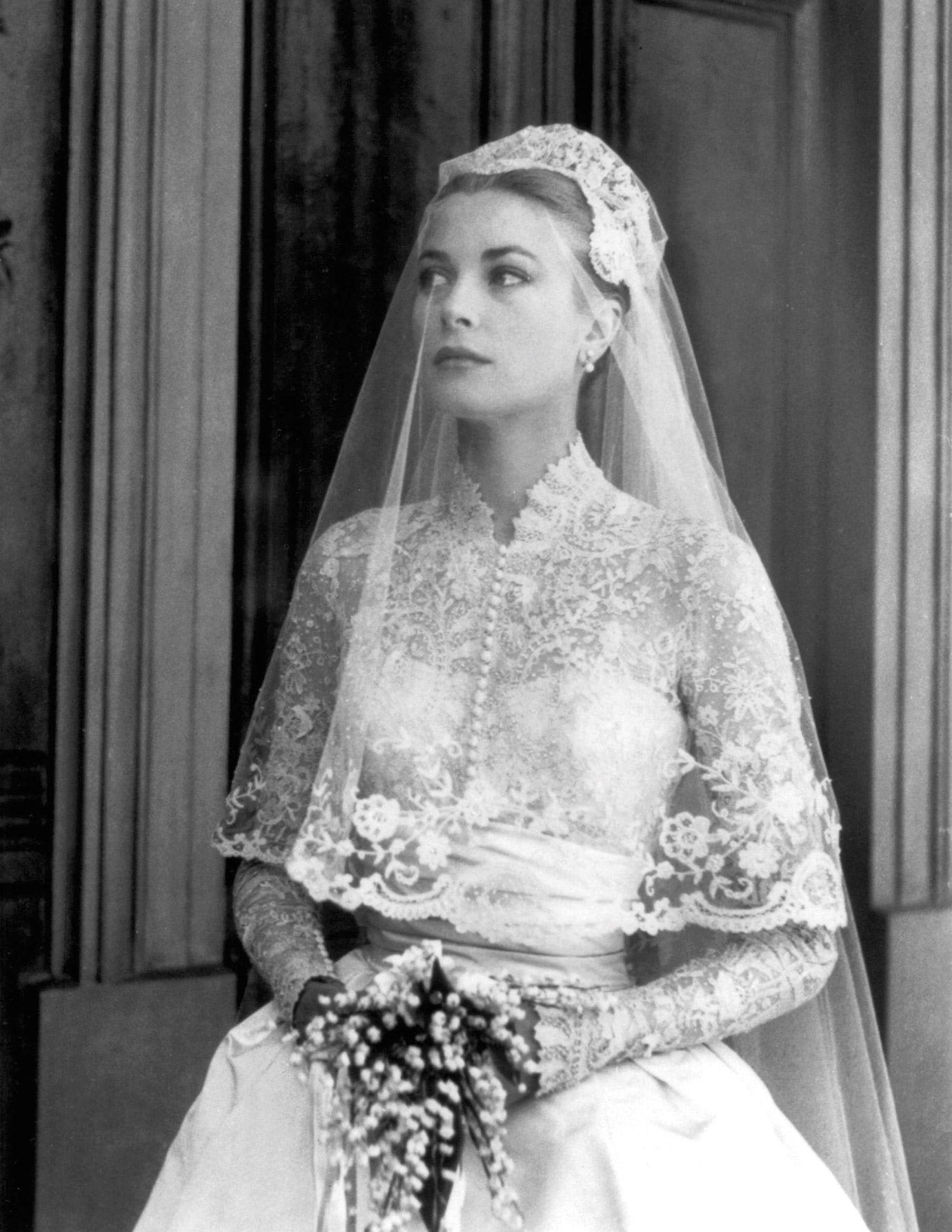 The Demure Wedding Gown Grace Kelly Wedding Dress Grace Kelly Wedding Princess Grace Kelly [ 1785 x 1380 Pixel ]