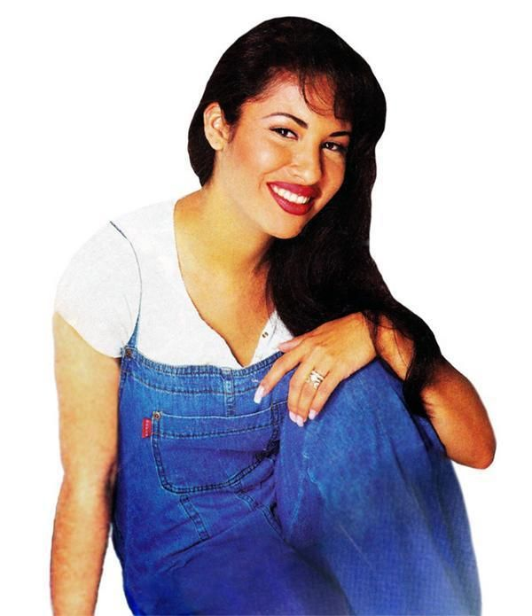 I Love Seeing Pictures With Her Wedding Rings On Selena Quintanilla Selena Selena Quintanilla Perez