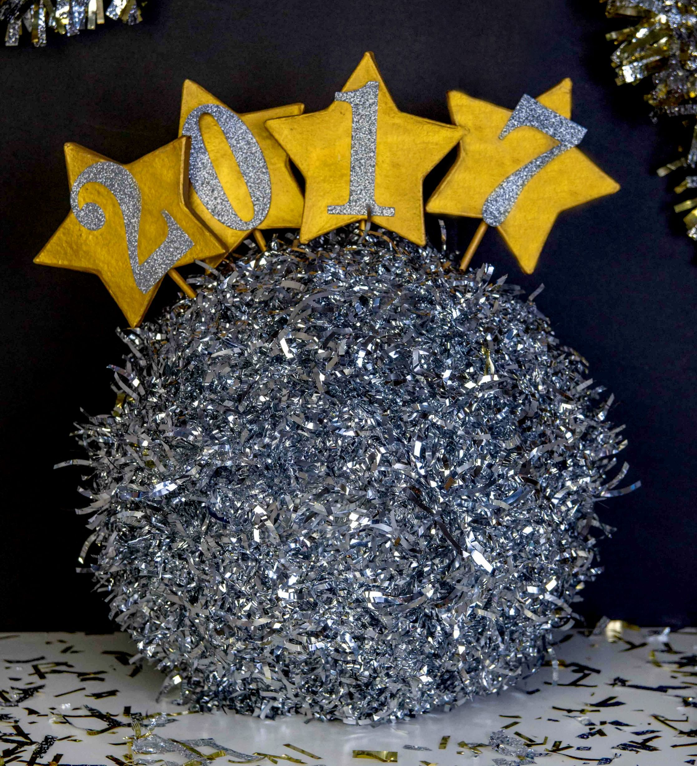 DIY New Years Drop Ball | New years ball, New year diy ...